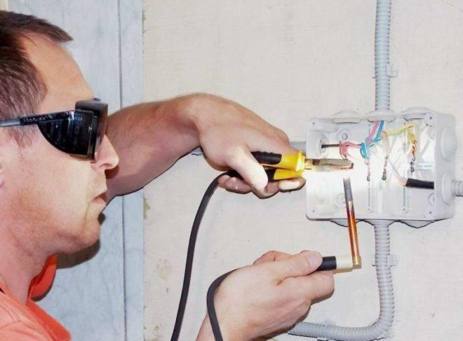 Сварка медных проводов угольным электродом